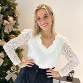 Chemisier IRINIA 🤩 Comment ne pas aimer cette blouse avec cette magnifique finition dentelle à la manche ? Vous en pensez quoi ? #boutiqueangelsfleron #boutiqueangelsheusy #boutiqueangelsheusy #heusy #beaufays #fleron #liege #belgium #anywhere #beautifulgirl #blog #blogueusemode #blogueuse #mode #clothes #shop #onlineshopping #online #instagram #chemisier #instaclothes #instagram #belgium #hiver2020