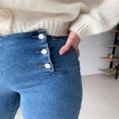 JEANS ÉLODIE⚡️/  Craquage complet pour ce jeans, super tendance ! Vous étiez nombreuses à nous demander un réassort de celui ci !  Le voilà BACK IN STOCK 😍  #boutiqueangelsfleron #boutiqueangelsheusy #boutiqueangelsheusy #heusy #beaufays #fleron #liege #belgium #anywhere #beautifulgirl #blog #blogueusemode #blogueuse #mode #clothes #shop #onlineshopping #online #instagram #instaclothes #liege #blondehair #addicted #clothes #2021 #newcollection #outfitinspiration #outfitoftheday #jeansaddict #instajeans