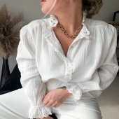 ERINA⚡️/  Comment ne pas craquer sur ce chemisier ? Sa composition est juste SUPER AGRÉABLE ! Par contre, vous êtes plutôt blanc ou bleu ? 🤔  #boutiqueangelsfleron #boutiqueangelsheusy #boutiqueangelsheusy #heusy #beaufays #fleron #liege #belgium #anywhere #beautifulgirl #blog #blogueusemode #blogueuse #mode #clothes #shop #onlineshopping #online #instagram #instaclothes #liege #blondehair #addicted #clothes #2021 #newcollection #outfitinspiration #outfitoftheday #chemisier #gazdecoton #lovecoton