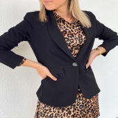 - NEW POST -  Réassort de notre blazer Mélissa qui a déjà montré ses preuves en magasin 😍  👉 www.boutique-angels.be   #boutiqueangelsfleron #boutiqueangelsheusy #boutiqueangelsheusy #heusy #beaufays #fleron #liege #belgium #anywhere #beautifulgirl #blog #blogueusemode #blogueuse #mode #clothes #shop #onlineshopping #online #instagram #blondhair #blazerstyle #automne🍂