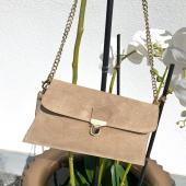 - NEW POST - @boutique_angels.be  Soyez prêt pour notre réassort pour cette fameuse pochette en daim ! .. Disponible en plusieurs couleurs ! ❤️🛒 Dispo sur notre Eshop Angel'S ! #boutiqueangelsfleron #boutiqueangelsheusy #boutiqueangelsheusy #heusy #beaufays #fleron #liege #belgium #anywhere #beautifulgirl #blog #blogueusemode #blogueuse #mode #clothes #shop #onlineshopping #online #instagram #hastag #hastagclothes #love #mybag #inspirationoftheday