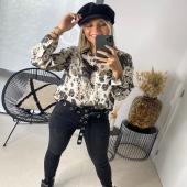 - ESHOP - @boutique_angels.be  Le chemisier JOYE est simplement WOUHAAA 🤩 et la matière soyeuse et juste magnifique ! #boutiqueangelsfleron #boutiqueangelsheusy #boutiqueangelsheusy #heusy #beaufays #fleron #liege #belgium #anywhere #beautifulgirl #blog #blogueusemode #blogueuse #mode #clothes #shop #onlineshopping #online #instagram  #chemise #soie #instamoment #instaclothes #lovemyoutfit