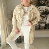 """CHLOÉ ⚡️ Et oui, elle est déjà SOLD OUT ! Mais ne vous inquiétez pas.. Inscrivez-vous dans """"alertez-moi"""" pour être sure de ne pas là rater encore une fois !  #boutiqueangelsfleron #boutiqueangelsheusy #boutiqueangelsheusy #heusy #beaufays #fleron #liege #belgium #anywhere #beautifulgirl #blog #blogueusemode #blogueuse #mode #clothes #shop #onlineshopping #online #instagram #instaclothes #belgium #liege #blondehair #addicted #clothes #2021 #newcollection #outfitinspiration #outfitoftheday #soldout #restock #restockalert🚨 #blogueusebelge #blogueuseliegeoise"""