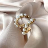 BIJOUX⚡️ Boucle d'oreille PERLA sont de retour dans vos 3 boutiques Angel'S ainsi que sur notre Eshop 🛒 Ne tardez pas car le stock est limité !  #boutiqueangelsfleron #boutiqueangelsheusy #boutiqueangelsheusy #heusy #beaufays #fleron #liege #belgium #anywhere #beautifulgirl #blog #blogueusemode #blogueuse #mode #clothes #shop #onlineshopping #online #instagram #instaclothes #belgium #liege #blondehair #addicted #clothes #2021 #newcollection #outfitinspiration #outfitoftheday #jellewerylover #loloyayabijoux #perle